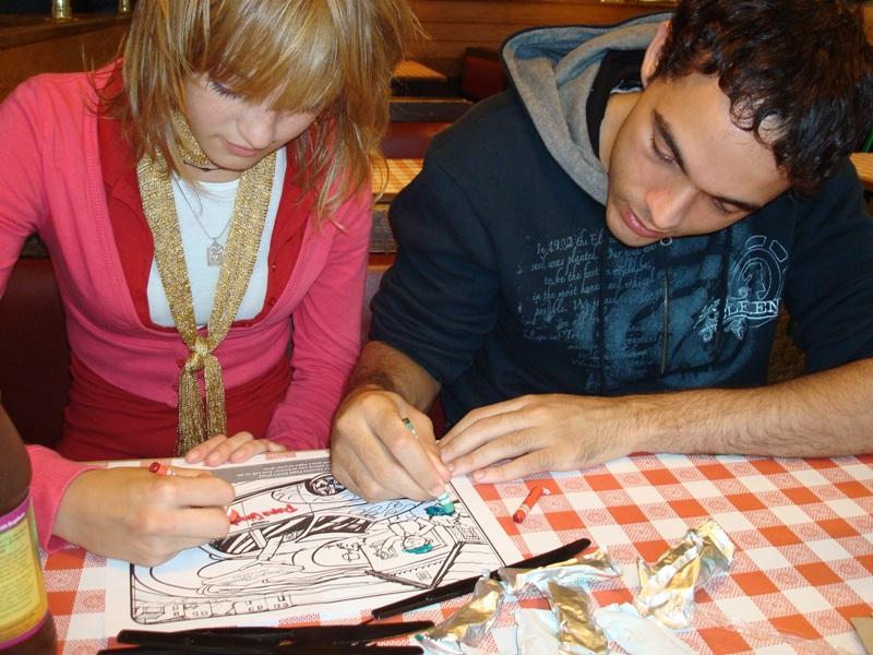 Мой бразильский друг Энрике и ждем пиццу