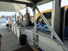 1 Брисбен транспорт Citycat.jpg