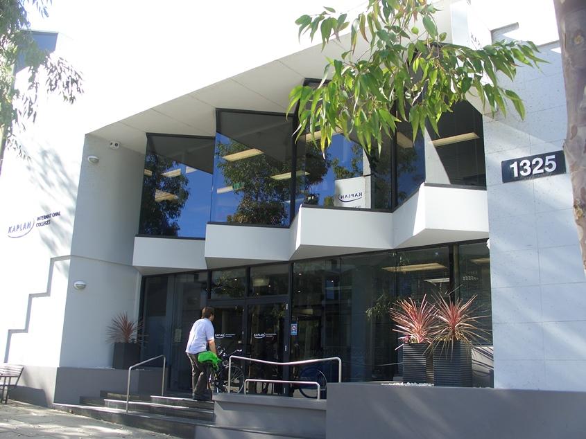 Perth, Caplan college