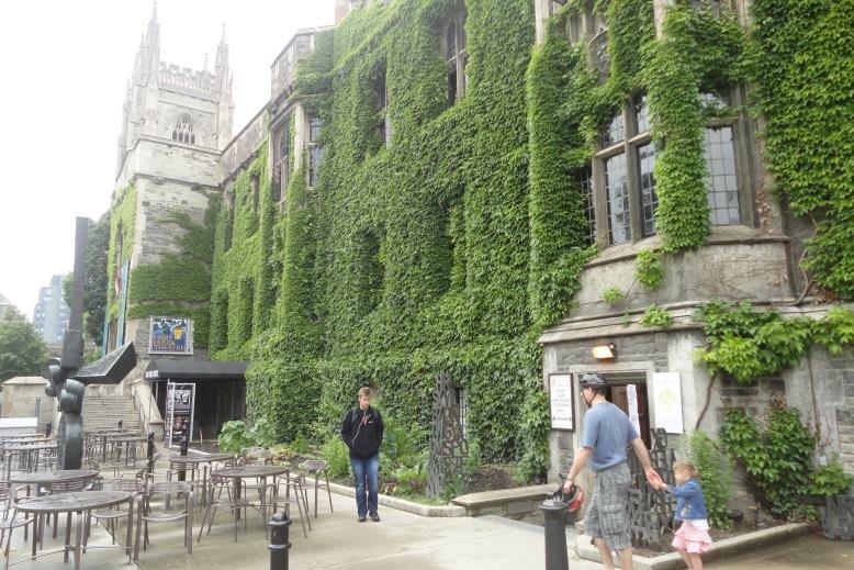 Торонто, toronto, университет.jpg