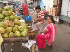 Продавцы зеленых кокосов