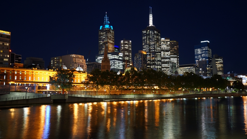 Melbourne By night 3