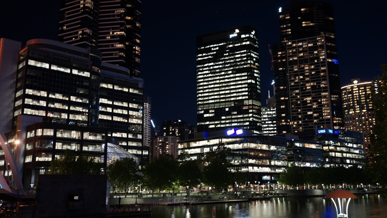 Melbourne By night 4