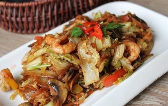 блюдо с пекинской капустой
