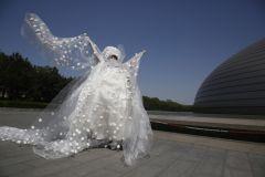 Свадебное платье из яиц