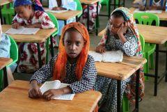1 сентября, школьники и школьницы Союза Коморских Островов, Африка 2