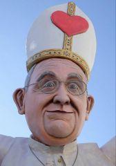 Кукла карикатура Папы Римского Франциска