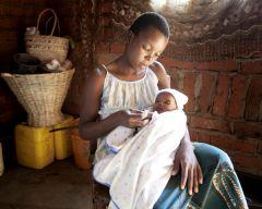 1 сентября, школьники и школьницы Республики Судан, Африка, Bride At Age 13. Mother At 14.