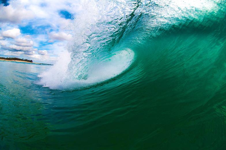 Green curl, Maroochydore Beach.jpg