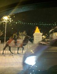 Это просто сотрудник ДПС на верблюде, Челябинск. Листай дальше.