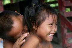 1 сентября, школьники и школьницы в Суринам, Южная Америка 3