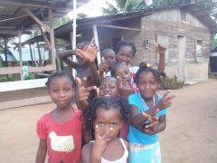 1 сентября, школьники и школьницы в Суринам, Латинская Америка 3