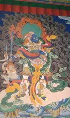 Росписи, сделанные индусами, на стенах старого элистинского хурула