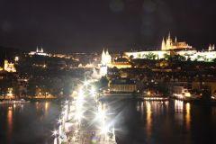 Прага, вид на Карлов мост. ночь