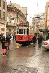 Стамбул, район таксим, старый трамвайчик