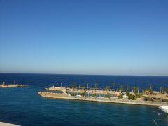 бесконечно красивое синее красное море