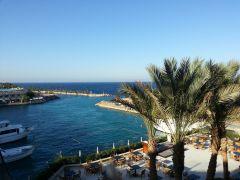 Самое красивое море в самом дорогом отеле