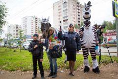 1 сентября, школьники и школьницы, форма и цветы в Кирове
