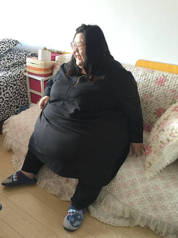 Фото самых жирных баб старых, влагалище молодых крупным планом