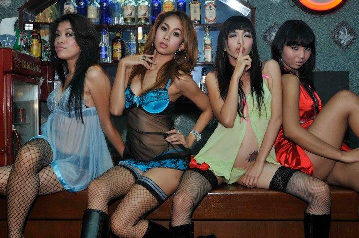 Ява проститутки на острове