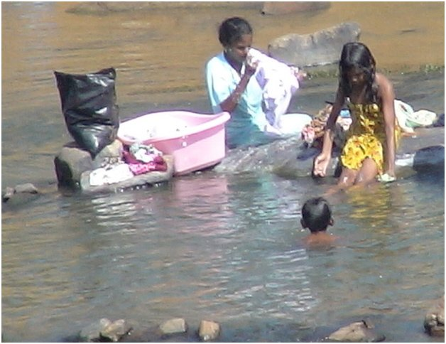 large.58c214ab9afa0_AluthAvurudda(Sinhal