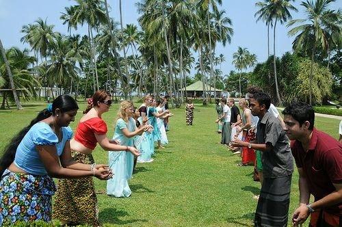 large.58c214b38053d_AluthAvurudda(Sinhal