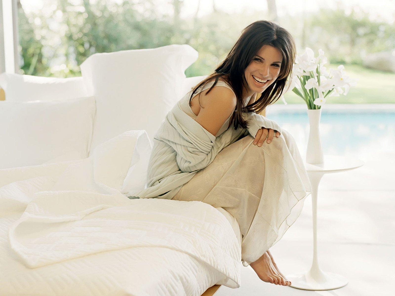 Самая красивая женщина в мире, которую легко рассмешить - Сандра Баллок