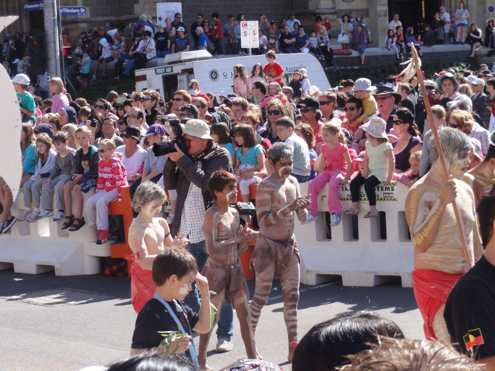 Мумба 2011 - как же без аборигенов?