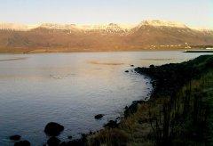 Озеро возле сопок