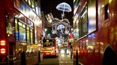 Новогодние автобусы в Великобритании