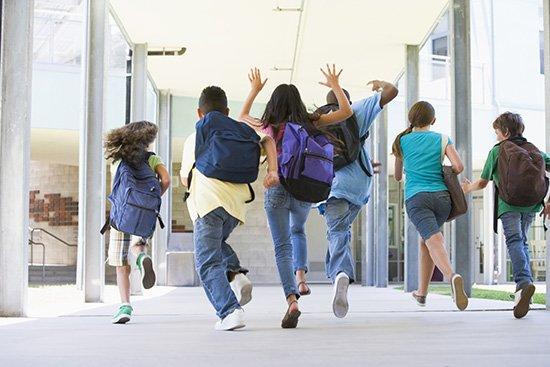 Девочки, школьницы и выпускники, Бостон, США.jpg