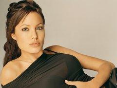3. 20 самых красивых женщин мира по версии Google. Анджелина Джоли..jpg