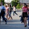Девочки, школьницы и выпускники, Минск.jpg