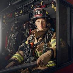 Женщина пожарный.jpg