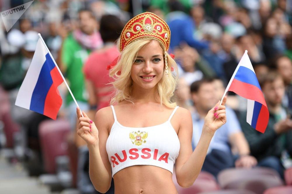 FIFA 2018 Moscow, приколы - мисс Волонтёры.JPEG