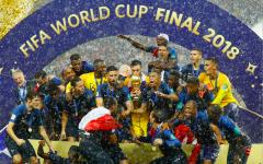 Франция выиграла финал чемпионата мира по футболу 2018 года в затаившем дыхание six-goal триллере против Хорватии.png