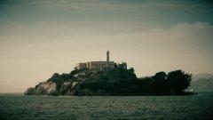 Алькатрас – это знаменитый остров, расположенный в заливе Сан-Франциско, штат Калифорния.jpg
