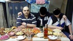 Братва встречает Новый Год в тюрьме на Людском ходу.jpg