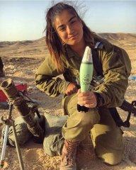 Что может считаться символом женской красоты - знойная прелесть евреек militaries? 16.jpeg