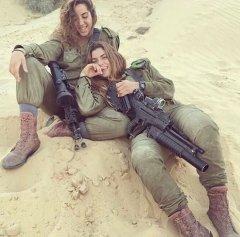 Что может считаться символом женской красоты - знойная прелесть евреек militaries? 17.jpeg
