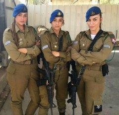 Что может считаться символом женской красоты - знойная прелесть евреек militaries? 20.jpeg
