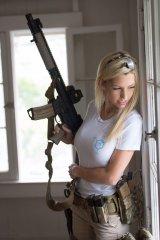 Что может считаться символом женской красоты - знойная прелесть евреек militaries? 13.jpeg