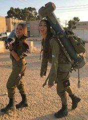 Что может считаться символом женской красоты - знойная прелесть евреек militaries? 14.jpeg
