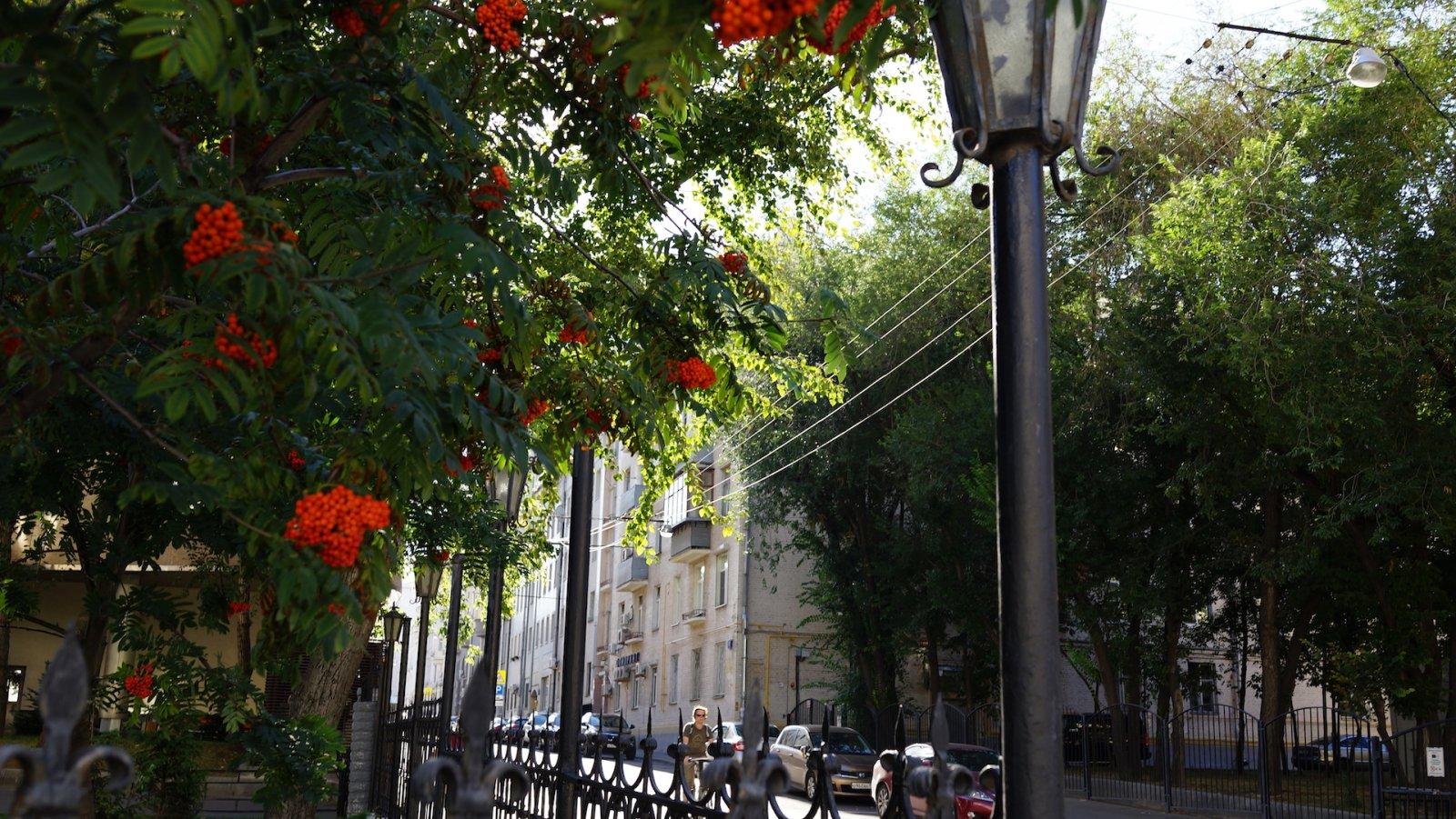 Садовое кольцо, вид с Земляного Вала на Яковоапостольский переулок, Москва 11.08.2018 г.JPG