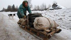 А тем временем в далёкой России. Бедность. Грязь. Помойки и Горе.jpg