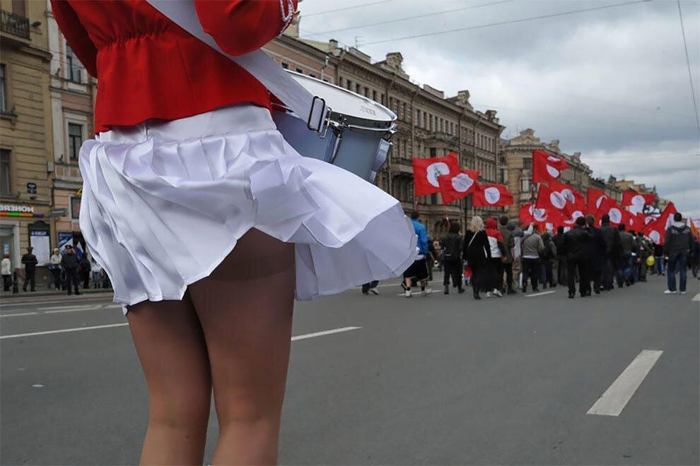 под юбками у девушек в санкт-петербурге акцент