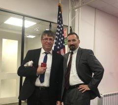 Михайлов Евгений Матвеевич и Matthew Edwards, U.S. Department of Commerce.JPG