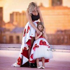 Что может считаться символом женской красоты? - да просто Дочки-матери!70.JPG