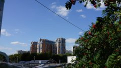 Вид на жилое высотное здание, проспект Вернадского 92, со стороны сквера, Москва, 25.08.2019 г.JPG