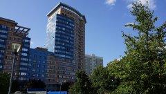 Вид с другого ракурса на жилое высотное здание Корона-Эйр ТСЖ - элитная недвижимость, проспект Вернадского 92к1, Москва, 25.08.2019 г..JPG